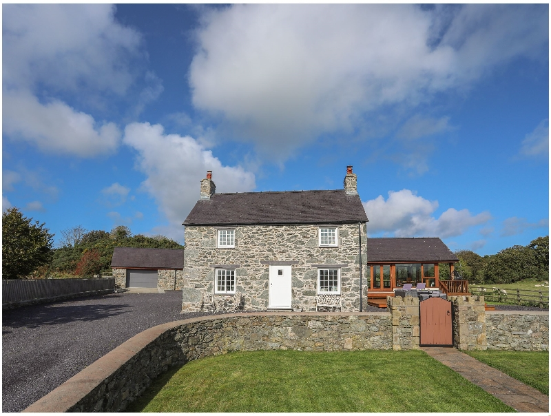 Denbighshire Cottage Holidays - Click here for more about Ty Slaters