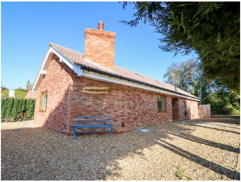 Cambridgeshire Cottage Holidays - Click here for more about Sherwood Lodge