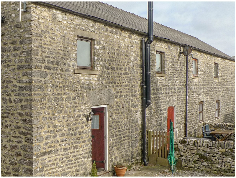 Derbyshire Cottage Holidays - Click here for more about 1 Primitive Mews