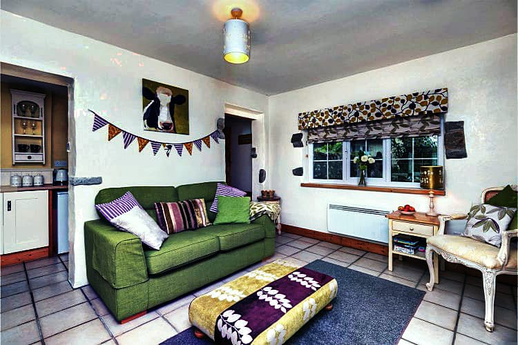 Devon Cottage Holidays - Click here for more about Little Place