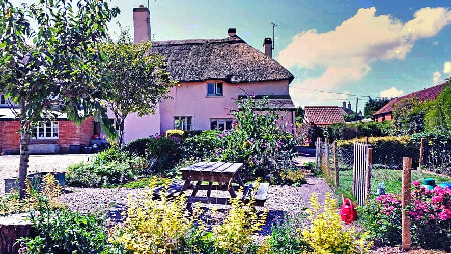 Devon Cottage Holidays - Click here for more about The Linhay