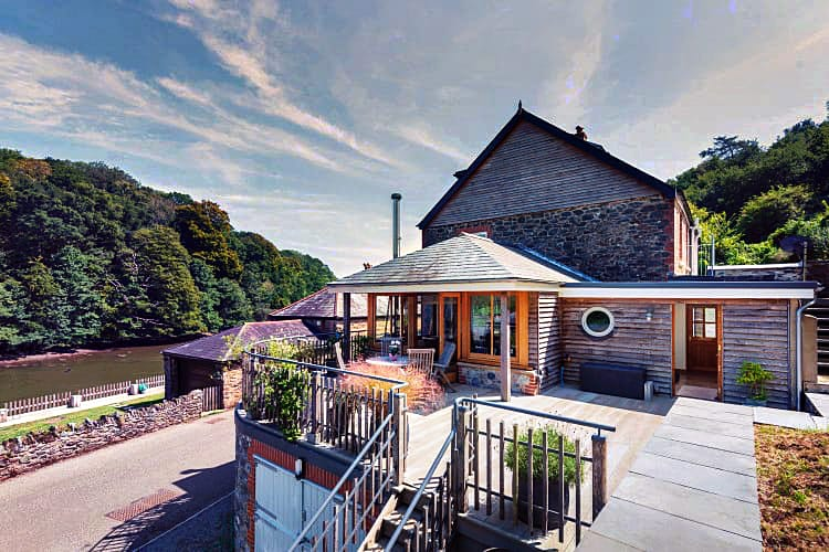 Devon Cottage Holidays - Click here for more about 1 Perchwood Cottage