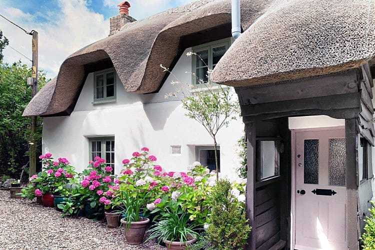 Hampshire Cottage Holidays - Click here for more about Argentor Cottage