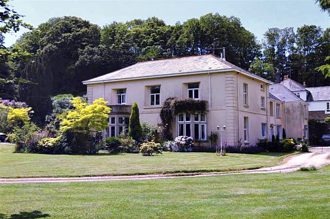 Devon Cottage Holidays - Click here for more about 7 Halwell House