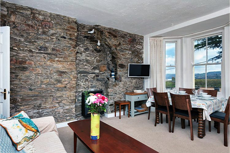 English Cottage Holidays - 1b Harbour View