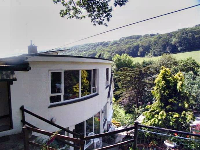 Devon Cottage Holidays - Click here for more about Country Life Apartment