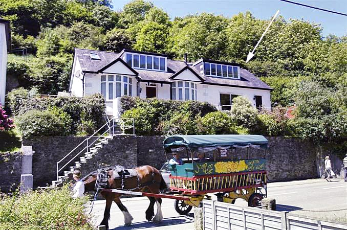 Cornwall Cottage Holidays - Click here for more about Moorview