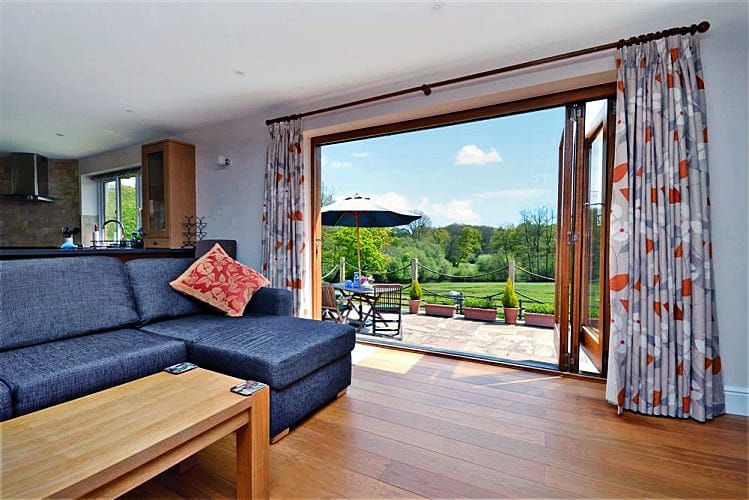 Hampshire Cottage Holidays - Click here for more about Beecroft