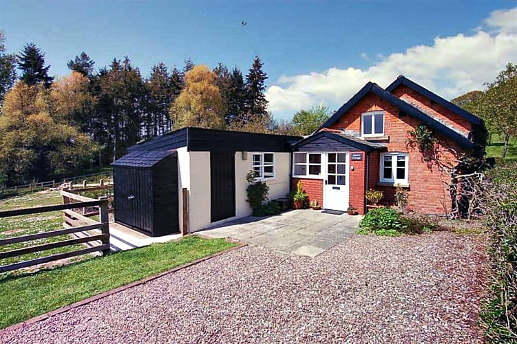 Somerset Cottage Holidays - Click here for more about Annas Cottage