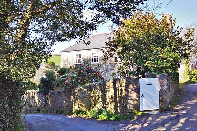 Devon Cottage Holidays - Click here for more about Torr Hill